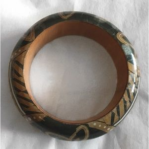 Jewelry - VINTAGE WOODEN FLORAL LACQUER BANGLE BRACELET